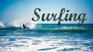 Surfing-Schriftzug