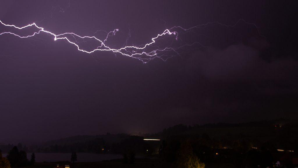 Fotos bei schlechtem Wetter: Blitz. Foto: Franz Lechner