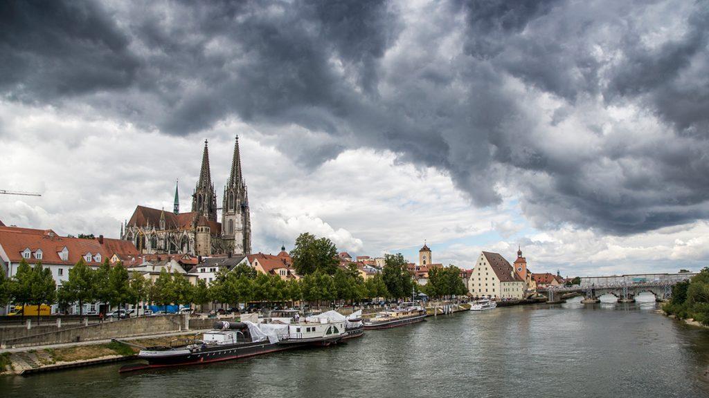 Fotos bei schlechtem Wetter: Regensburg. Foto: Franz Lechner